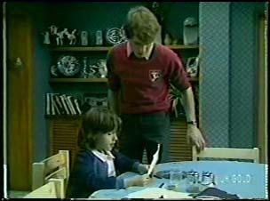 Lucy Robinson, Scott Robinson in Neighbours Episode 0082