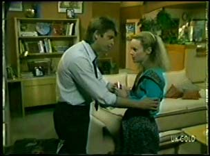 Shane Ramsay, Wendy Gibson in Neighbours Episode 0082