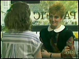 Julie Robinson, Loretta Martin in Neighbours Episode 0082