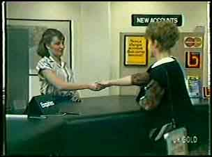 Julie Robinson, Loretta Martin in Neighbours Episode 0083