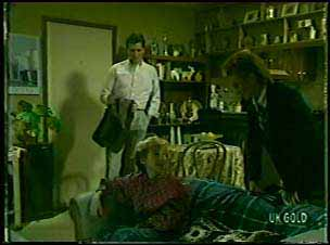 Des Clarke, Joan Langdon in Neighbours Episode 0083