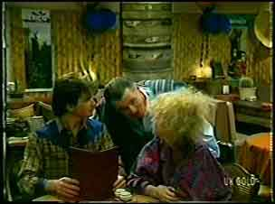 Danny Ramsay, Wally Walters, Wendy Gibson in Neighbours Episode 0086