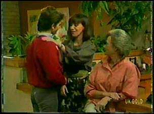 Danny Ramsay, Maria Ramsay, Helen Daniels in Neighbours Episode 0088