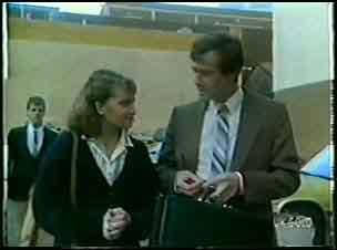 Julie Robinson, Philip Martin in Neighbours Episode 0088