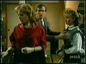 Loretta Martin, Philip Martin, Julie Robinson in Neighbours Episode 0088