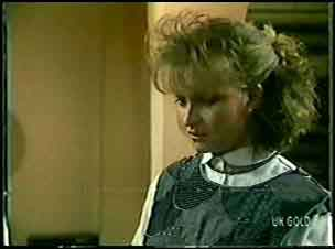 Julie Robinson in Neighbours Episode 0088