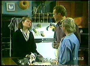 Julie Robinson, Jim Robinson, Helen Daniels in Neighbours Episode 0089