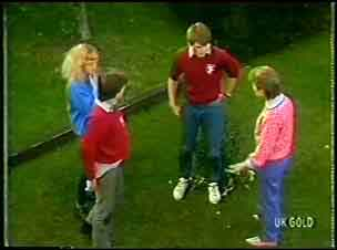 Danny Ramsay, Wendy Gibson, Scott Robinson, Daphne Lawrence in Neighbours Episode 0089