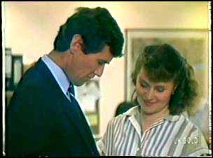 Philip Martin, Julie Robinson in Neighbours Episode 0089