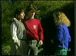 Maria Ramsay, Danny Ramsay, Wendy Gibson in Neighbours Episode 0090