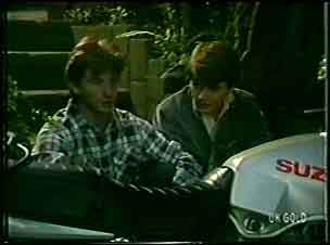 Danny Ramsay, Scott Robinson in Neighbours Episode 0090