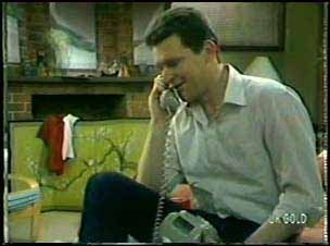 Des Clarke in Neighbours Episode 0090