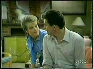 Daphne Clarke, Des Clarke in Neighbours Episode 0090