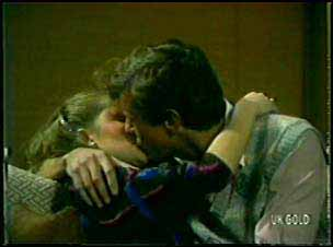 Julie Robinson, Philip Martin in Neighbours Episode 0090