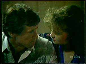 Philip Martin, Julie Robinson in Neighbours Episode 0091