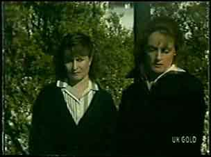 Julie Robinson, Loretta Martin in Neighbours Episode 0091
