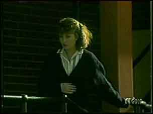Julie Robinson in Neighbours Episode 0091