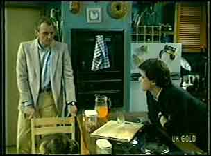 Jim Robinson, Paul Robinson in Neighbours Episode 0092