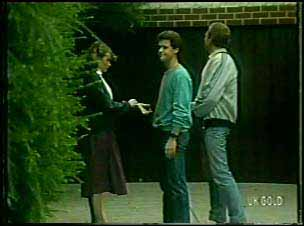 Julie Robinson, Paul Robinson, Jim Robinson in Neighbours Episode 0092