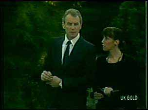 Jim Robinson, Maria Ramsay in Neighbours Episode 0093