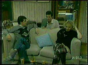 Paul Robinson, Des Clarke, Terry Inglis in Neighbours Episode 0093