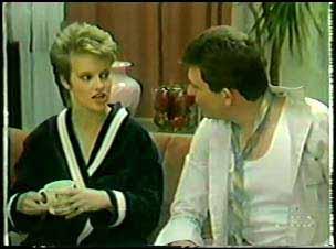 Daphne Clarke, Des Clarke in Neighbours Episode 0094