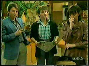 Shane Ramsay, Danny Ramsay, Maria Ramsay in Neighbours Episode 0094