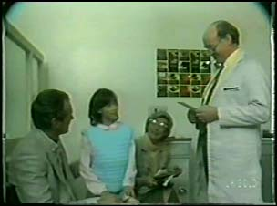 Jim Robinson, Lucy Robinson, Helen Daniels, Optician in Neighbours Episode 0095