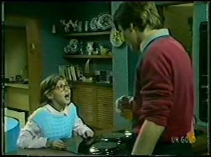 Lucy Robinson, Scott Robinson in Neighbours Episode 0095