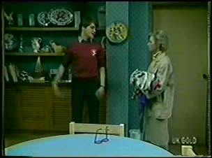 Scott Robinson, Helen Daniels in Neighbours Episode 0095