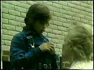 Lucy Robinson, Helen Daniels in Neighbours Episode 0095
