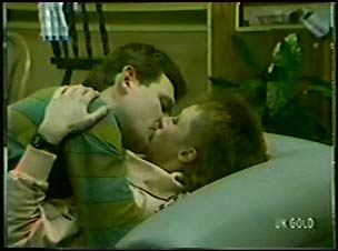 Des Clarke, Joan Langdon in Neighbours Episode 0095