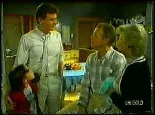 Lucy Robinson, Des Clarke, Jim Robinson, Helen Daniels in Neighbours Episode 0096