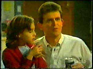 Lucy Robinson, Des Clarke in Neighbours Episode 0096