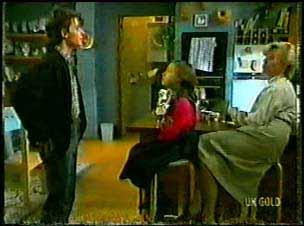 Danny Ramsay, Lucy Robinson, Helen Daniels in Neighbours Episode 0096