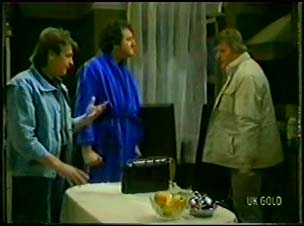 Shane Ramsay, Max Ramsay, Mr McLean in Neighbours Episode 0103