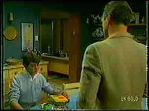 Scott Robinson, Jim Robinson in Neighbours Episode 0104