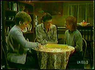Eileen Clarke, Des Clarke, Joan Langdon in Neighbours Episode 0105