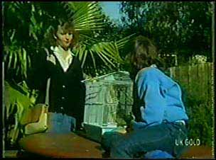 Julie Robinson, Lucy Robinson in Neighbours Episode 0105