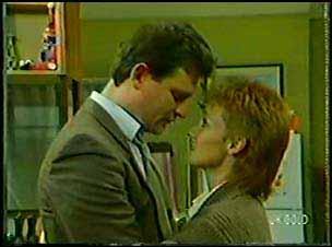 Des Clarke, Joan Langdon in Neighbours Episode 0105