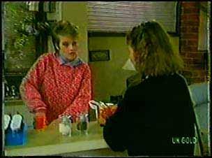 Daphne Clarke, Julie Robinson in Neighbours Episode 0105