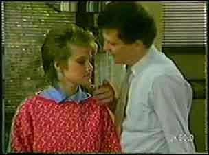 Daphne Lawrence, Des Clarke in Neighbours Episode 0105