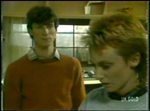Geoff Langdon, Joan Langdon in Neighbours Episode 0106
