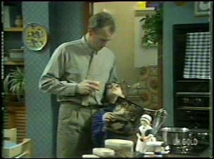 Jim Robinson, Lucy Robinson in Neighbours Episode 0106