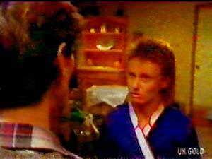 Geoff Langdon, Joan Langdon in Neighbours Episode 0107