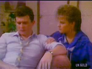 Des Clarke, Daphne Lawrence in Neighbours Episode 0108