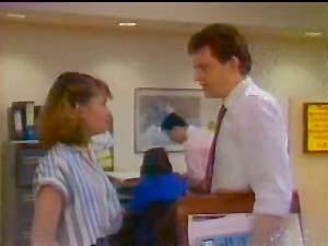 Julie Robinson, Des Clarke in Neighbours Episode 0108