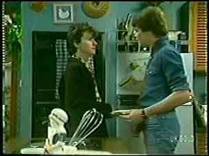 Danny Ramsay, Scott Robinson in Neighbours Episode 0110