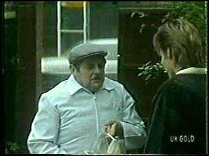 Milkman, Daphne Lawrence in Neighbours Episode 0110