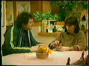 Max Ramsay, Maria Ramsay in Neighbours Episode 0110